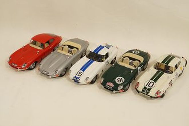 Model Cars x 5 - Burago diecast Jaguar E-Type: 2 x Series 1 Coupes, 3 x Series 1 Roadsters