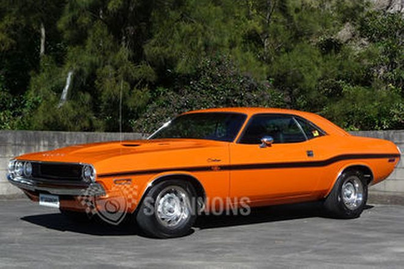 sold dodge challenger r t 440 coupe replica lhd. Black Bedroom Furniture Sets. Home Design Ideas
