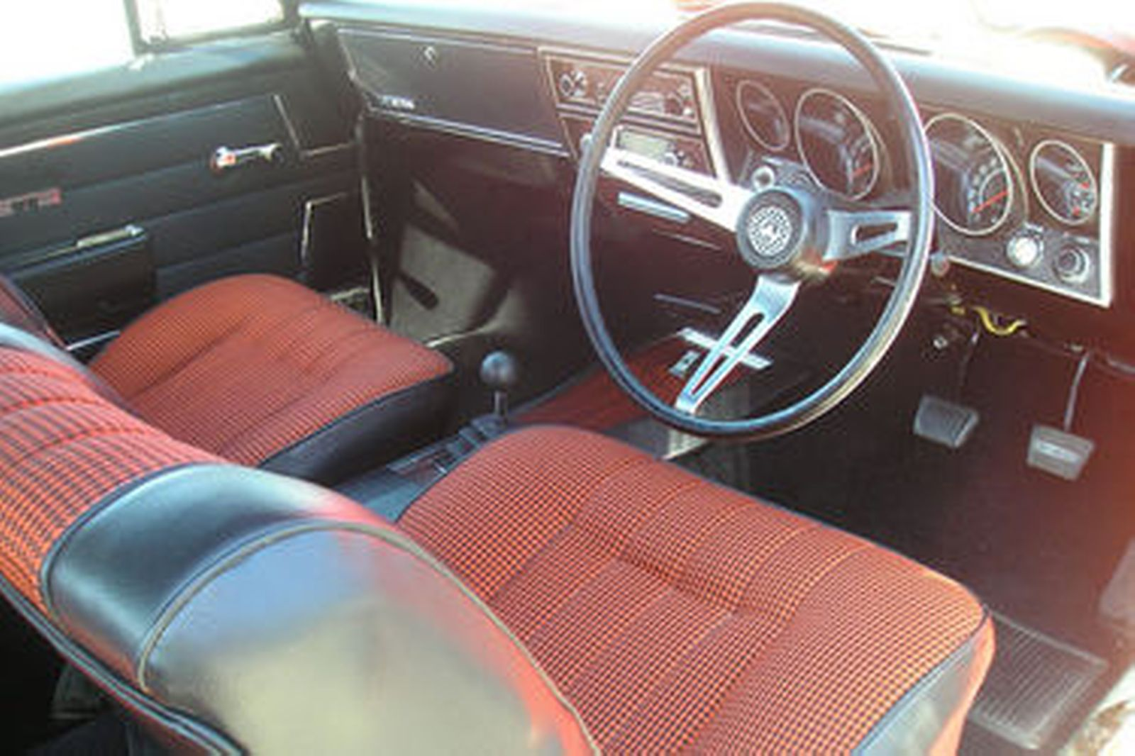 sold holden ht monaro gts 350 coupe auctions lot 22 shannons. Black Bedroom Furniture Sets. Home Design Ideas