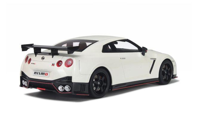 Model Car - 1:18 Nissan GTR Nismo R35 #593/1500