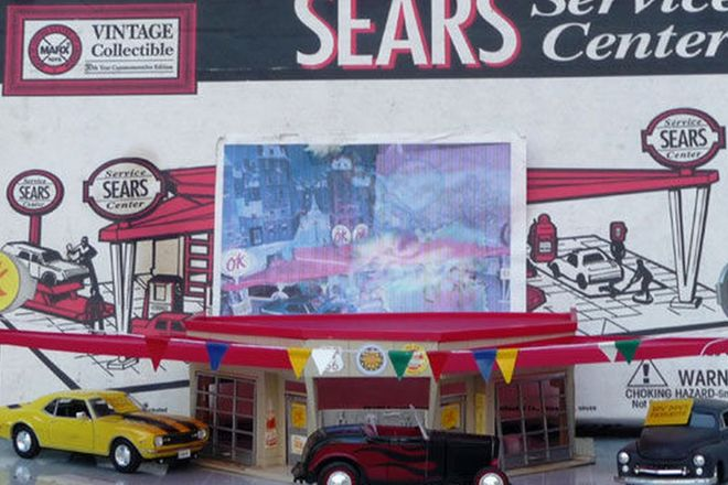 Building Models - Speed Shop Diorama and Garage Diorama