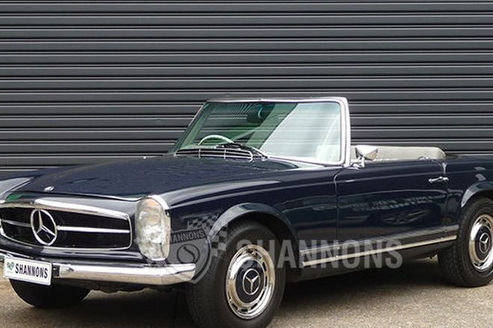 sold mercedes benz 280sl convertible auctions lot 20 shannons. Black Bedroom Furniture Sets. Home Design Ideas