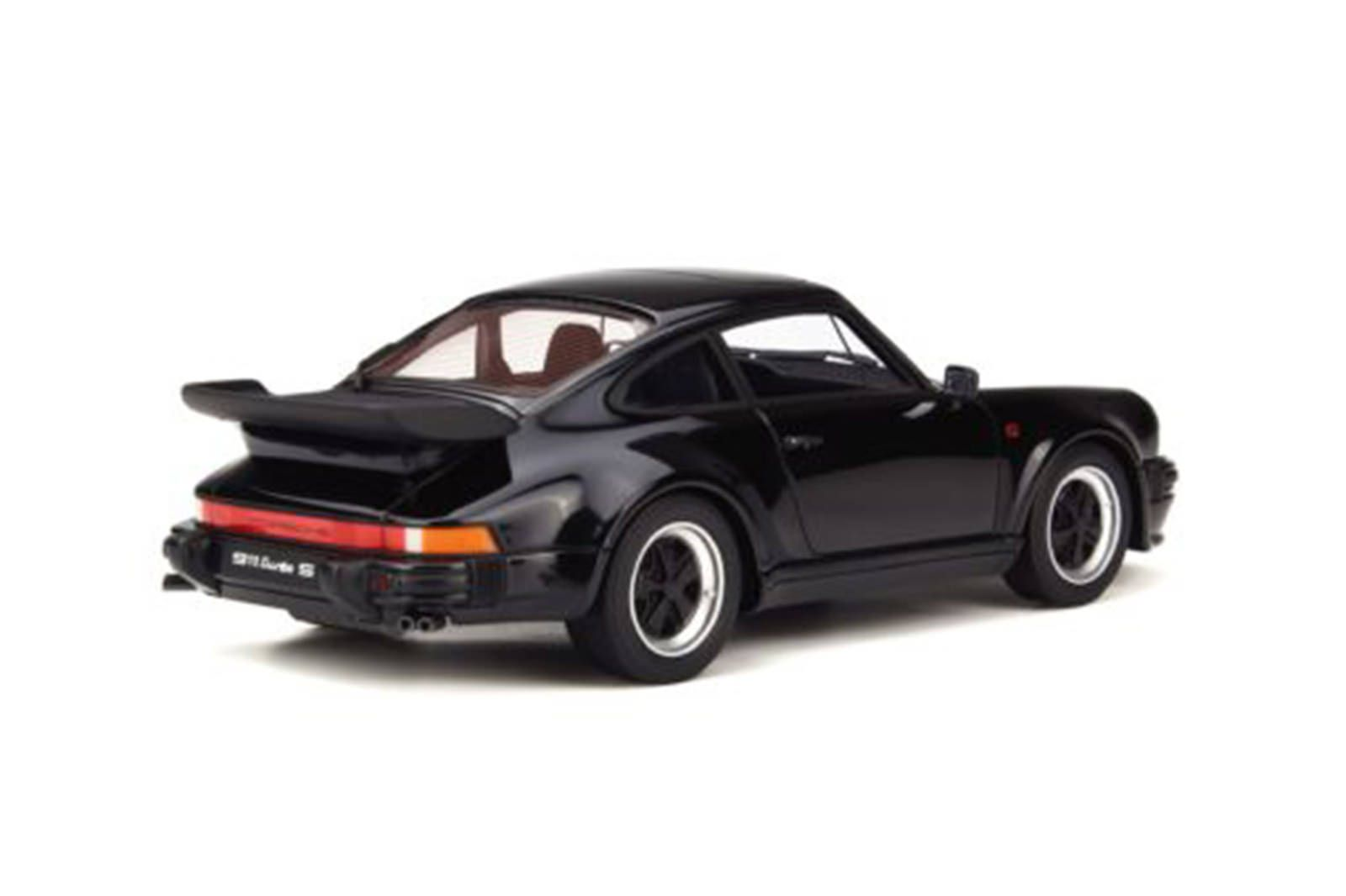 Model Cars - 1:18 Porsche 911 Turbo S  #748/900 - Discounted Slightly Damaged