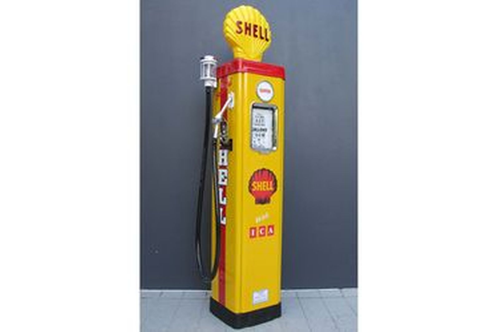 Petrol Pump - AS70 Wayne Electric In Shell Livery (Restored with Reproduction Globe)