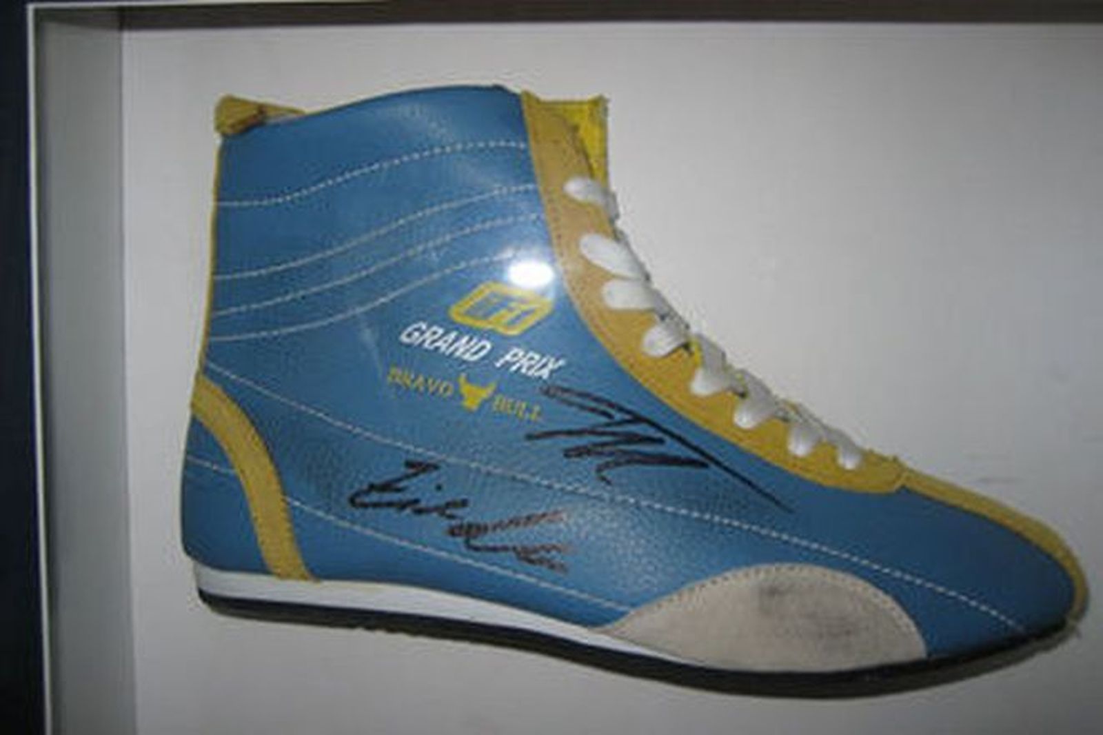 34946afe5047e Framed Renault F1 Display - Signed F1 Racing Boot by Fernando Alonso    Giancarlo Fisichella