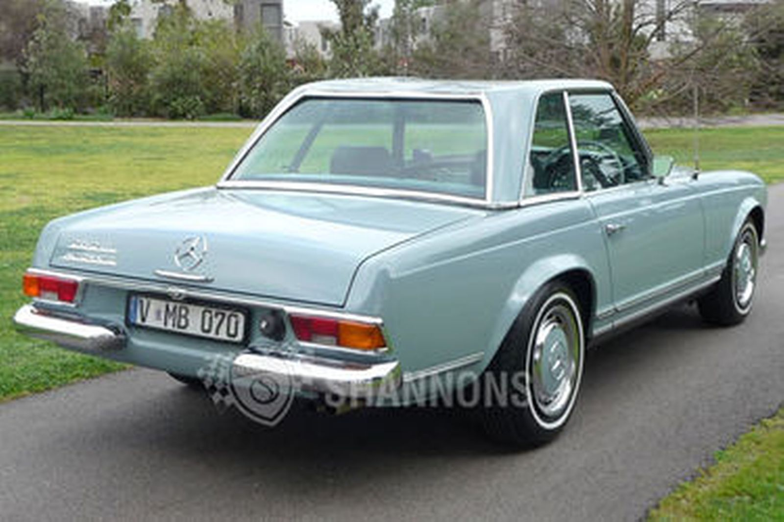 mercedes benz 280sl convertible auctions lot 29 shannons. Black Bedroom Furniture Sets. Home Design Ideas