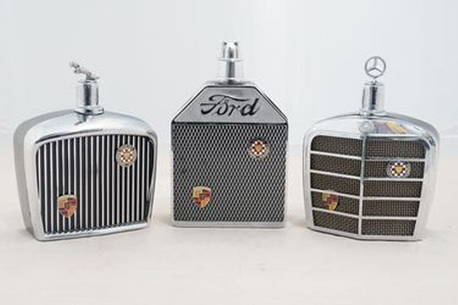 Decanter - Set of 3 Grand Prix International Grill Decanters - Ford, Mercedes, Jaguar (20.5 x 13cm)