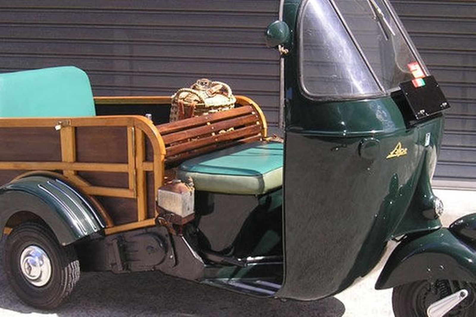 Sold vespa ape 3 wheeler auctions lot 14 shannons for Motor scooter 3 wheels