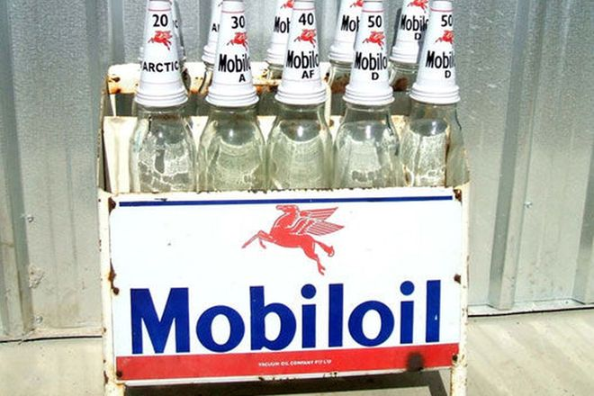 Rack & Bottles - c1950s/60s Mobil Oil