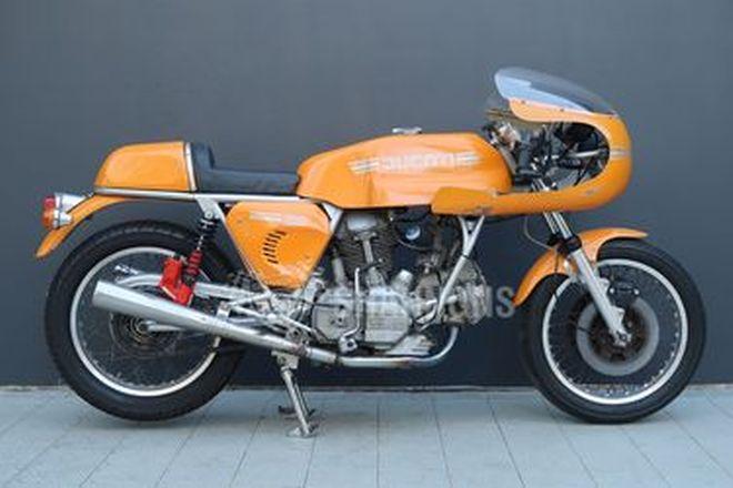 Ducati 860 GT 'Café Racer' Motorcycle