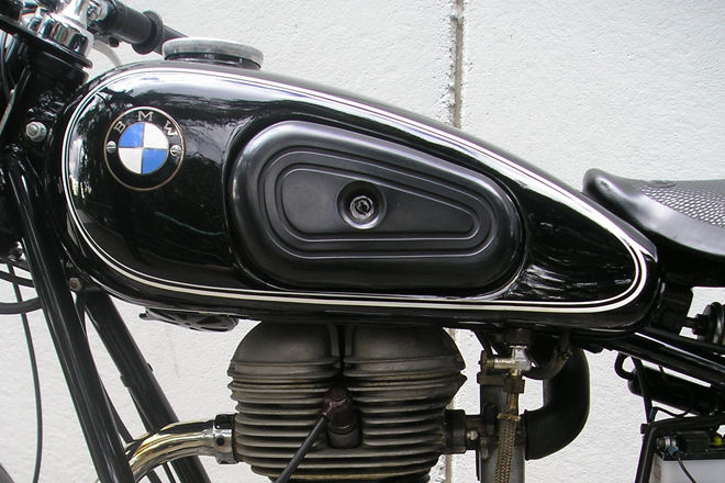 BMW R25/3 250cc Solo Motorcycle