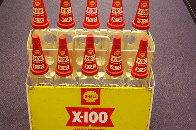 Shell Oil Bottles - Pints & Quarts with display stand c.1960's