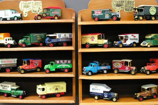 Model Cars - Matchbox Beer Trucks of the World including Display Shelves