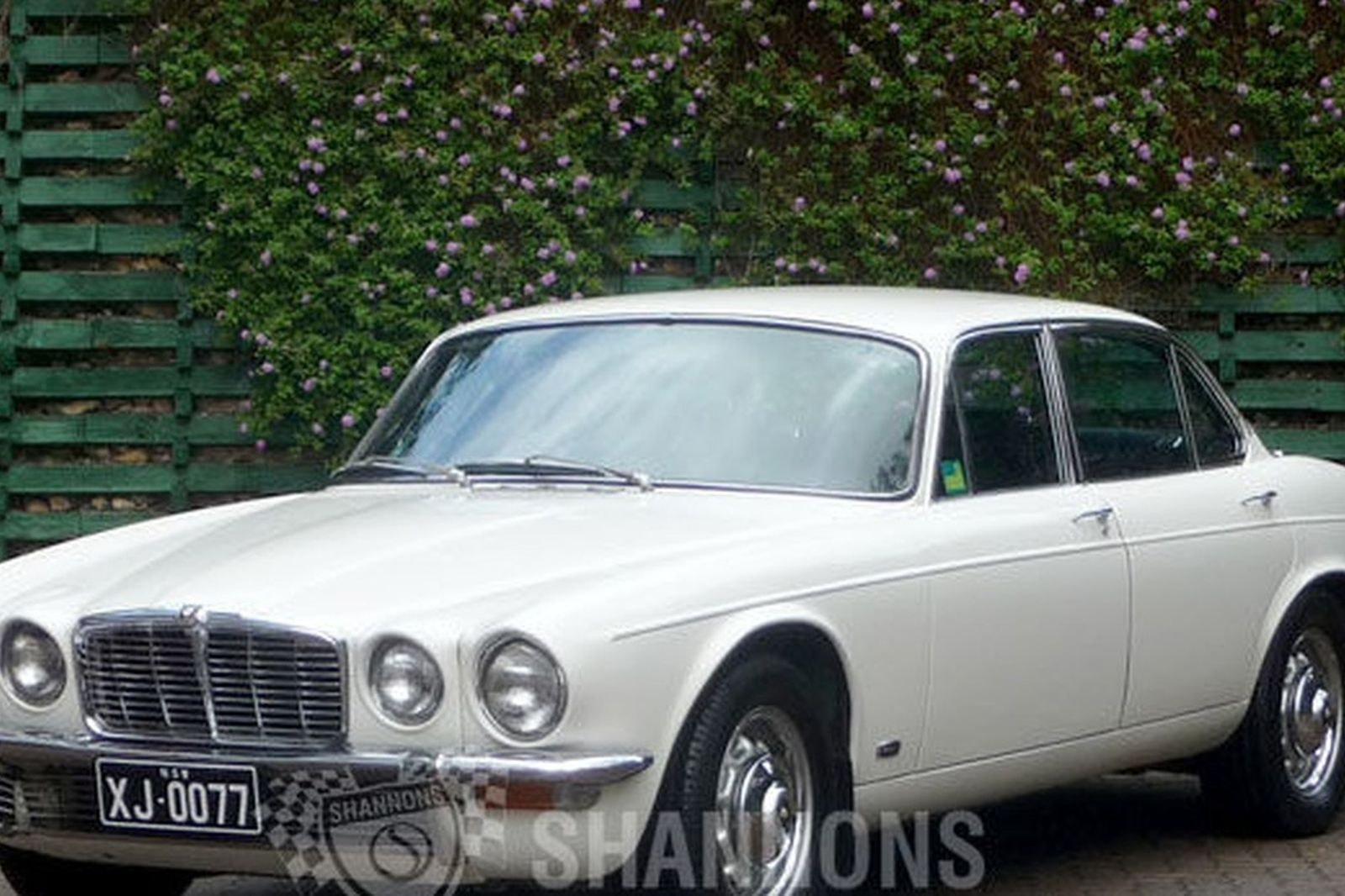 sold jaguar xj6 series ii saloon auctions lot 11 shannons. Black Bedroom Furniture Sets. Home Design Ideas