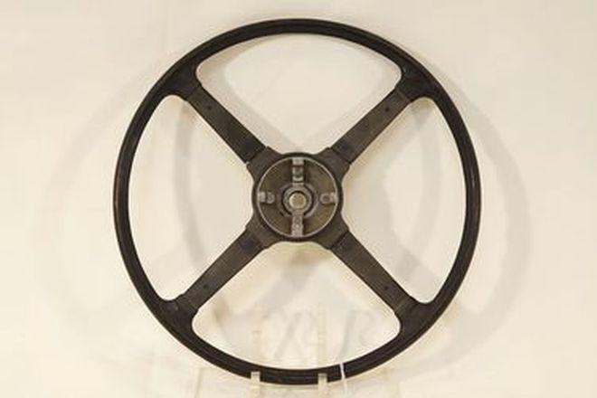 Steering Wheel - Jaguar XK140 4-spoke in average condition missing horn button