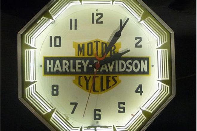Clock - c1947 Harley-Davidson Dealership Neon Clock
