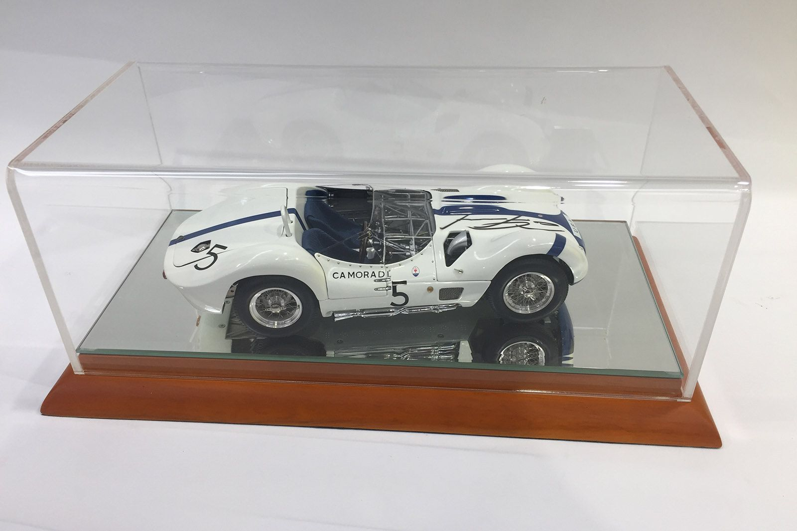 Model Car -  2 x1:18 Signed Limited Edition Maserati Model Cars