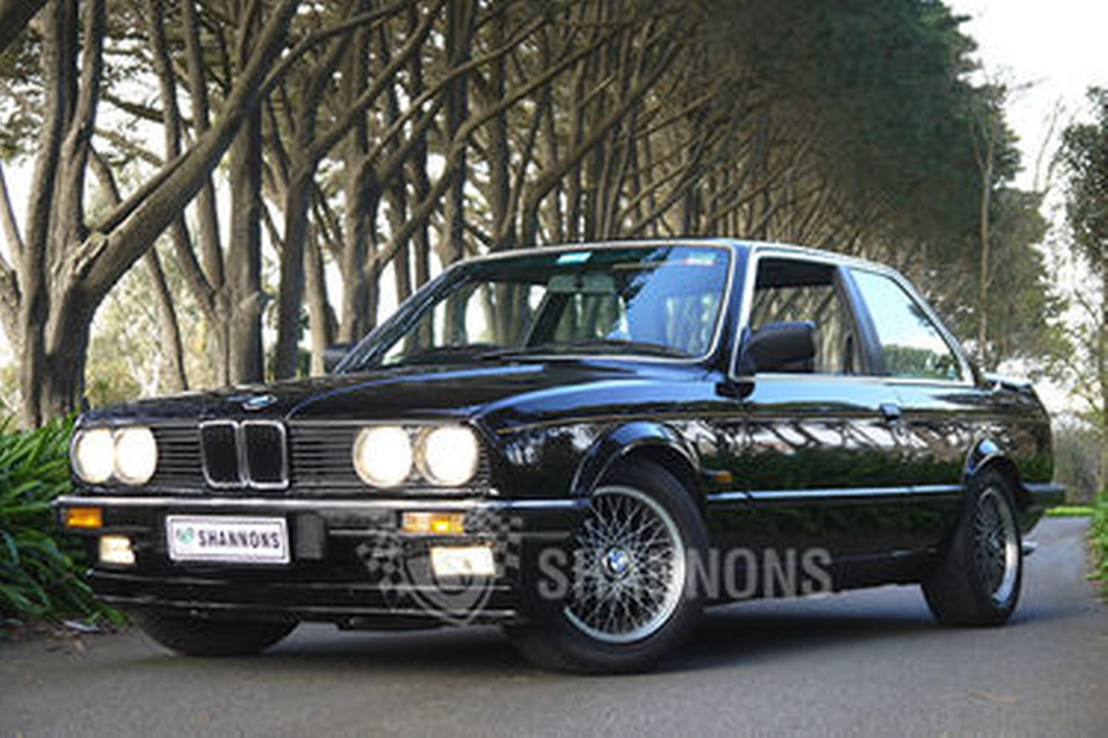 BMW 323i 'JPS' E30 Coupe