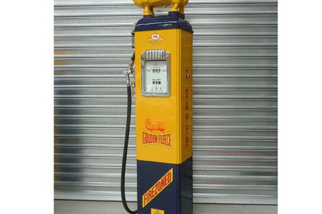 Petrol Pump - Gilbarco Electric in Golden Fleece Livery (Restored) with Cast Iron Ram