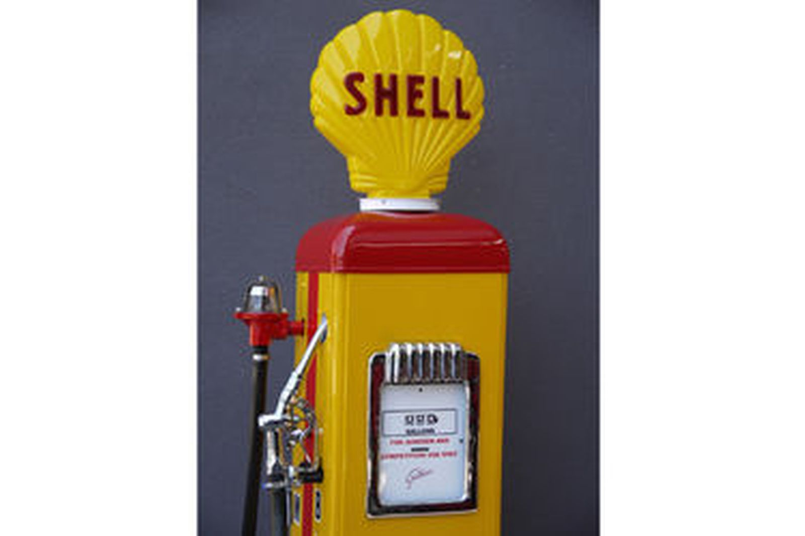Petrol Pump - c1950's Gilbarco CM in Shell Benzene Livery with Reproduction Globe (Restored)