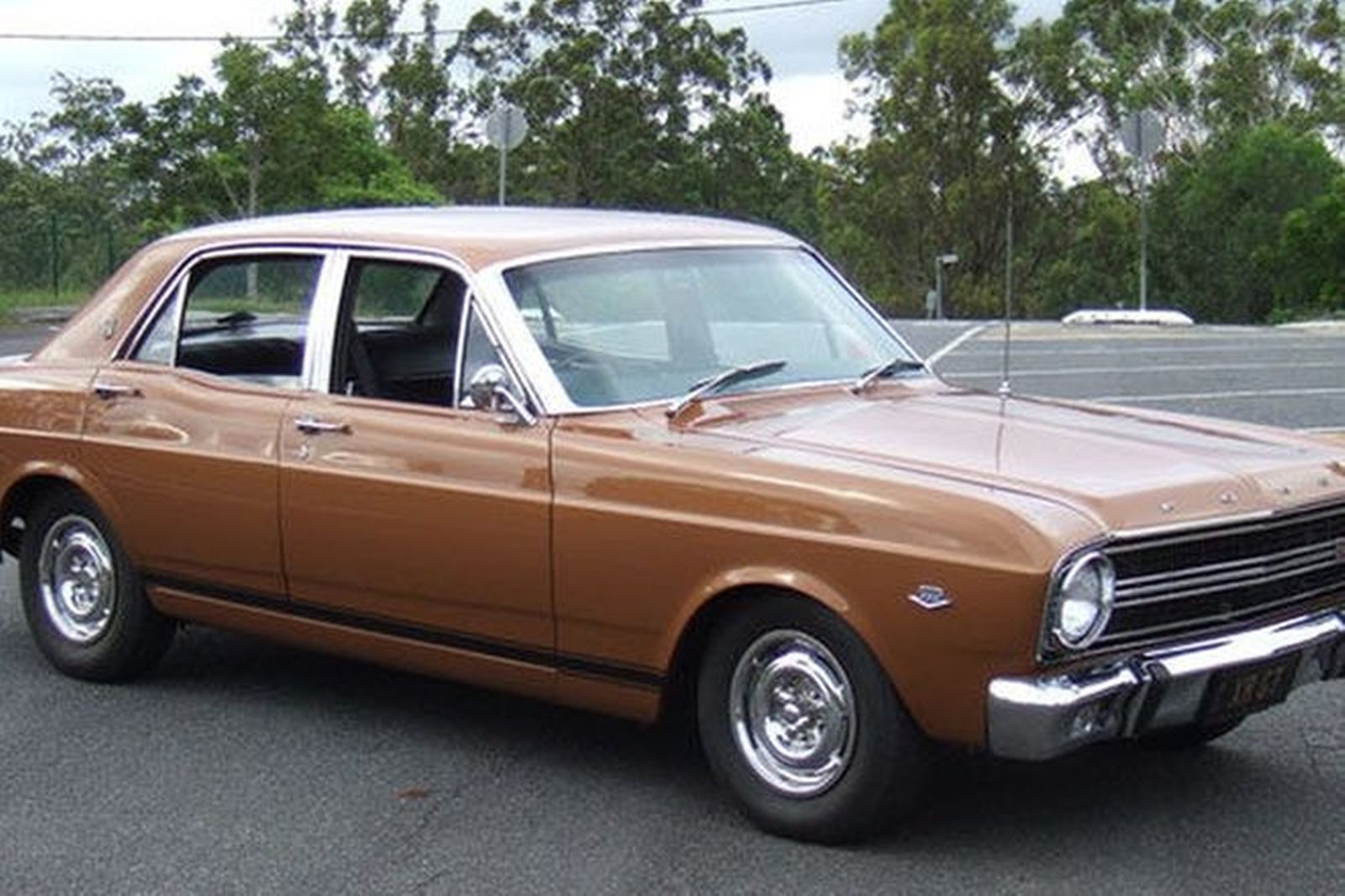 Ford falcon xr gt sedan