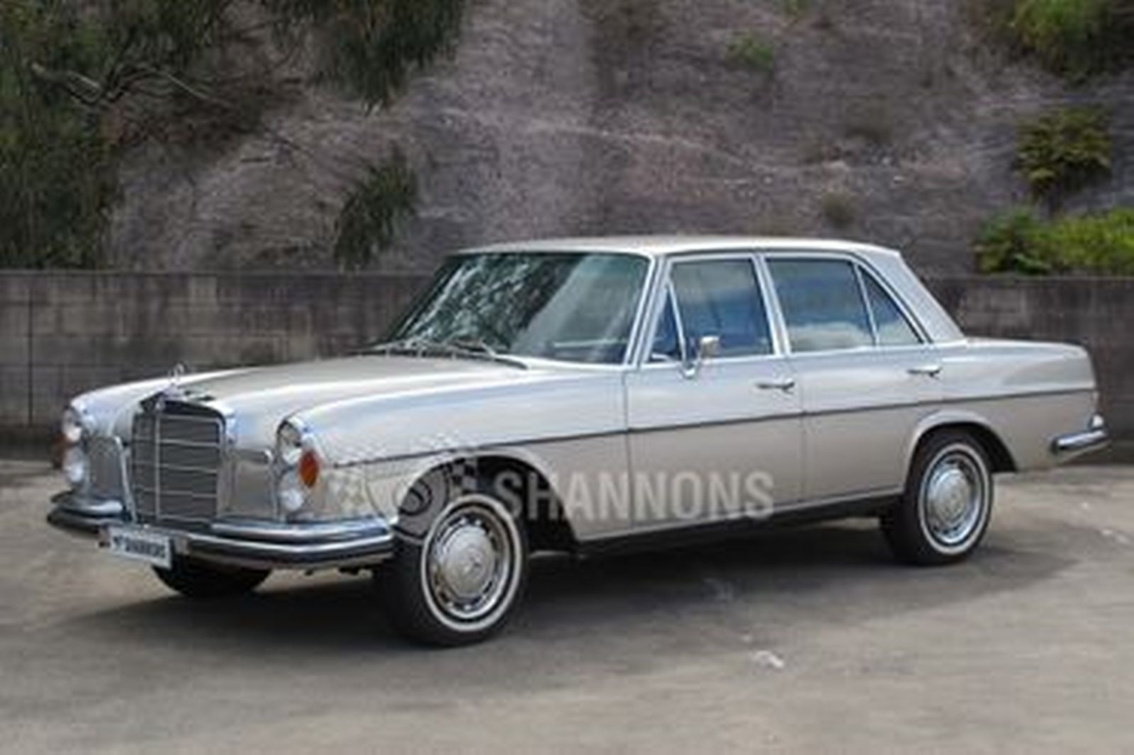 Mercedes-Benz 280SE 3.5 Saloon