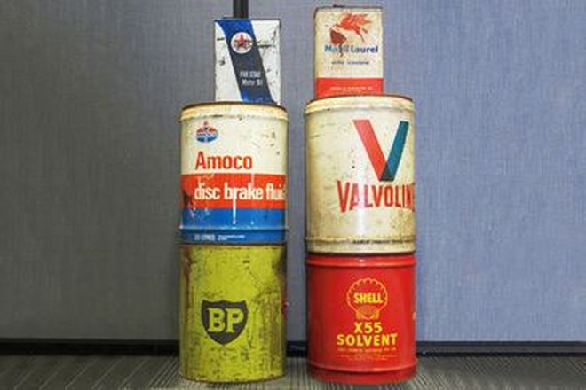 Oil Tins - 4 x 20 Litre Drums (Shell, Amoco Valvoline, BP) & 2 Small Oil Tins (Mobil, Caltex)
