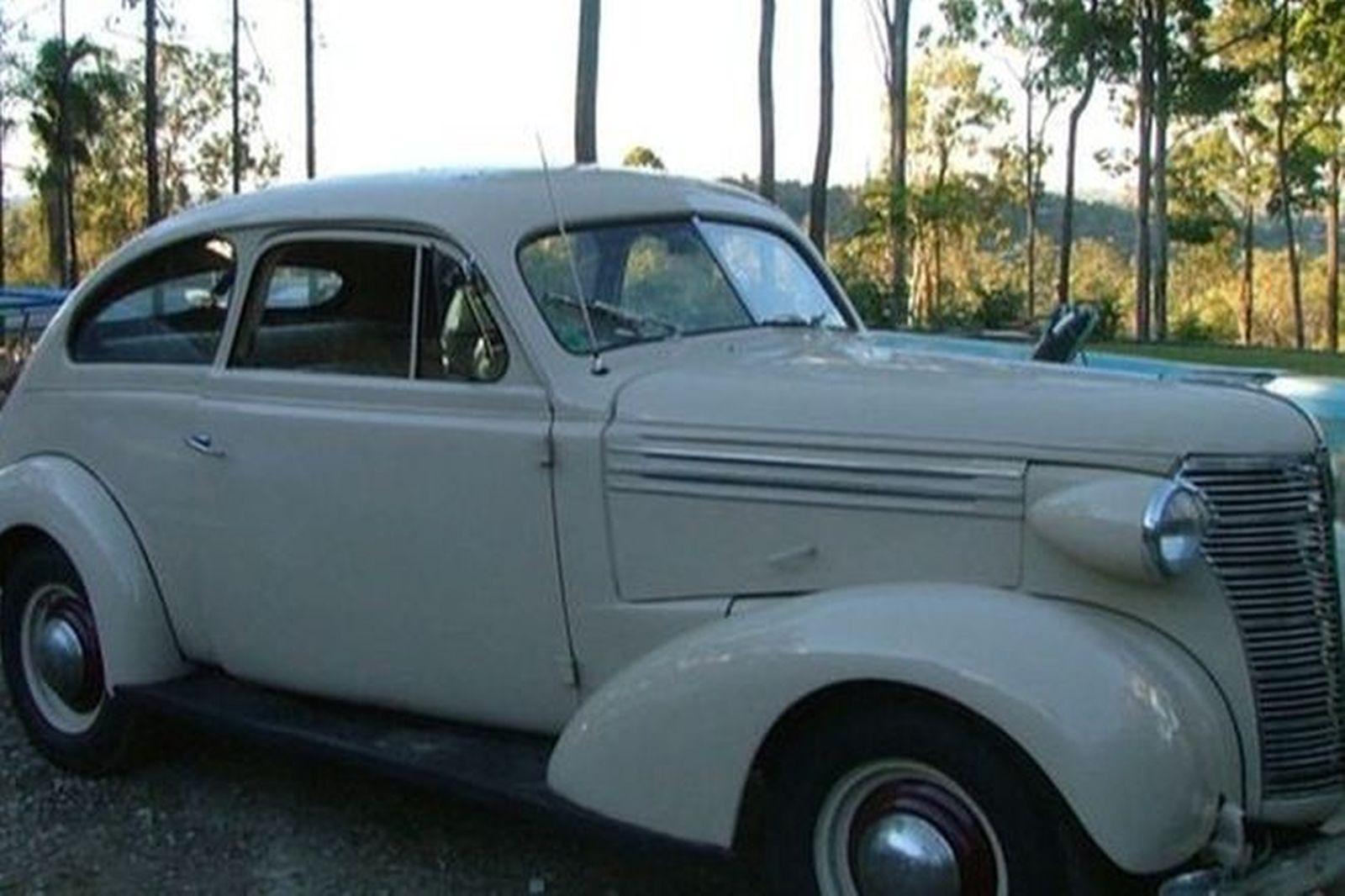 Chevrolet 'Sloper' Sedan