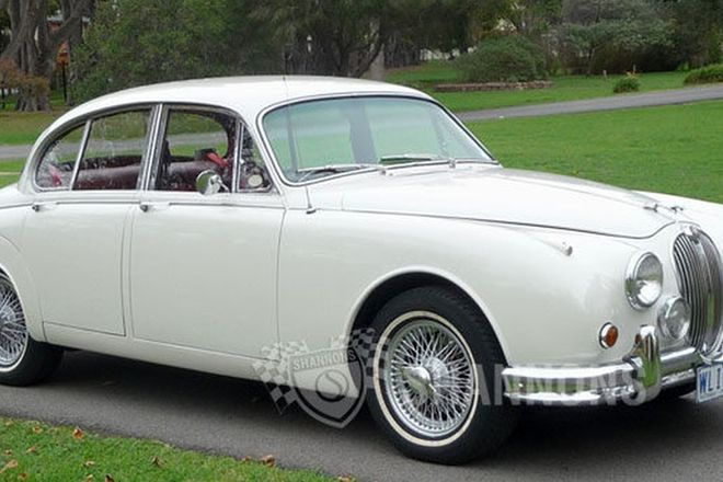 Jaguar Mk2 '2.4 Manual' Saloon
