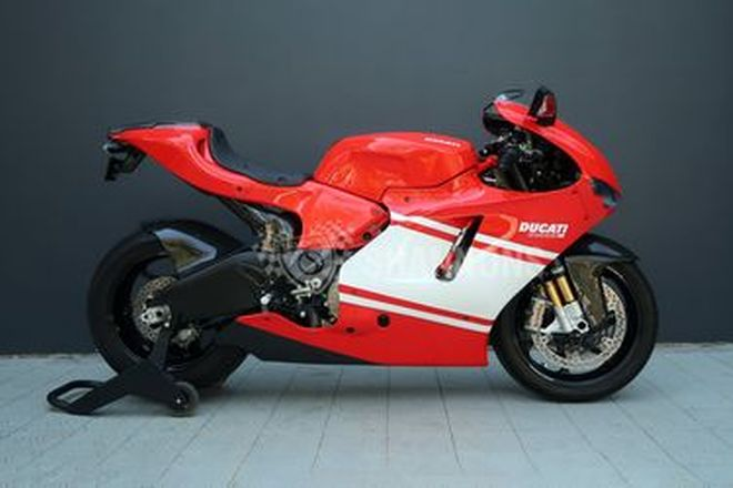 Ducati Desmosedici RR Motorcycle (Build No. 0606/1500)