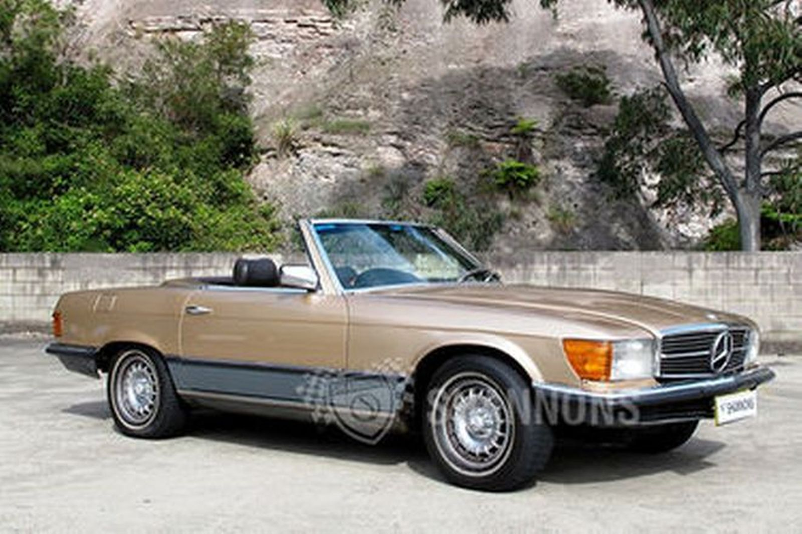sold  mercedes-benz 500sl convertible auctions - lot 11