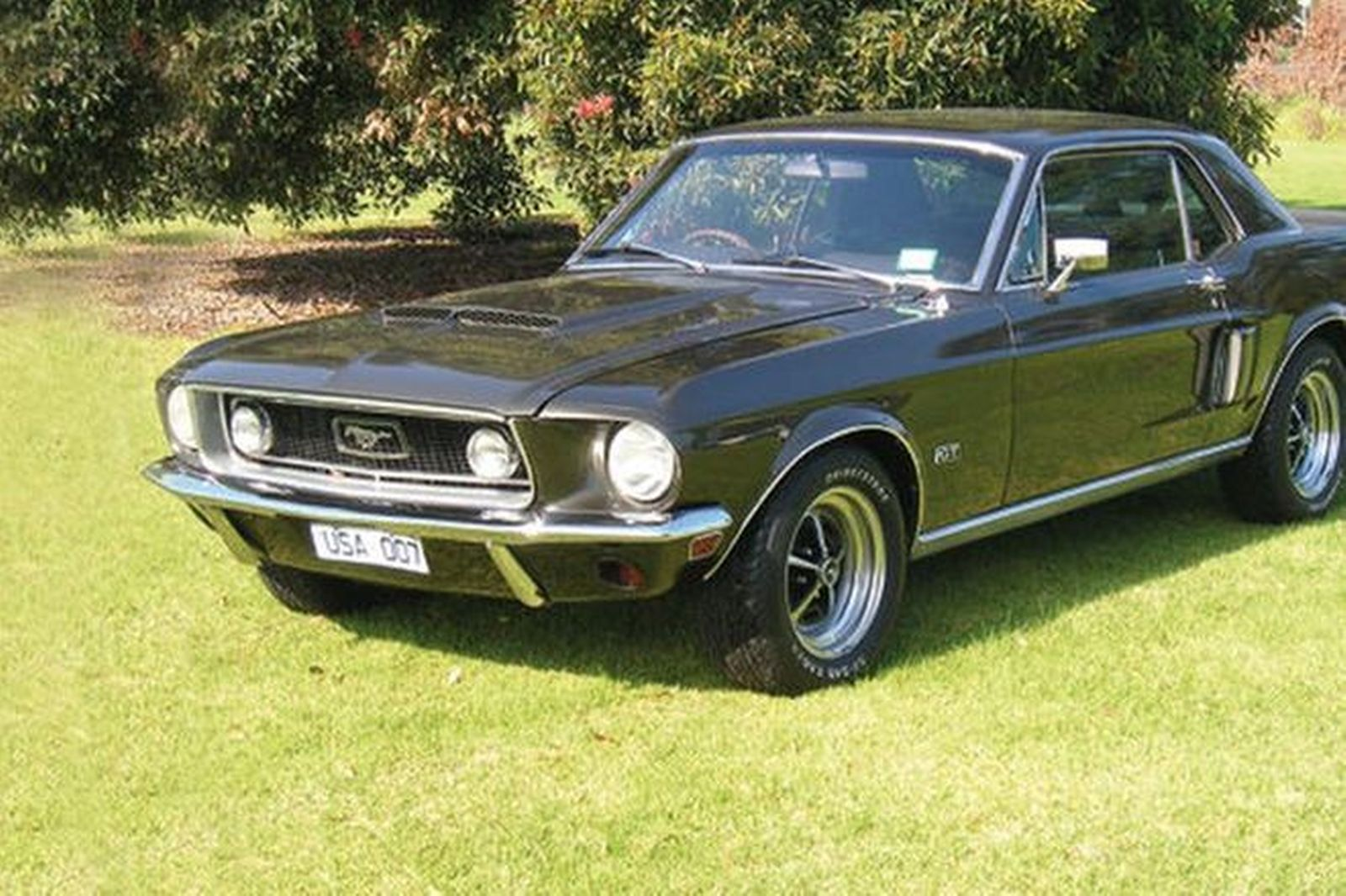 Ford Mustang Coupe (RHD)