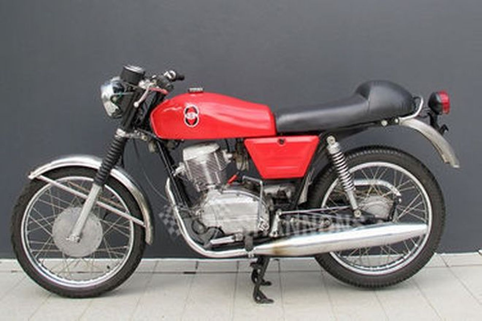 Sold: Gilera 150cc Motorcycle Auctions - Lot W - Shannons