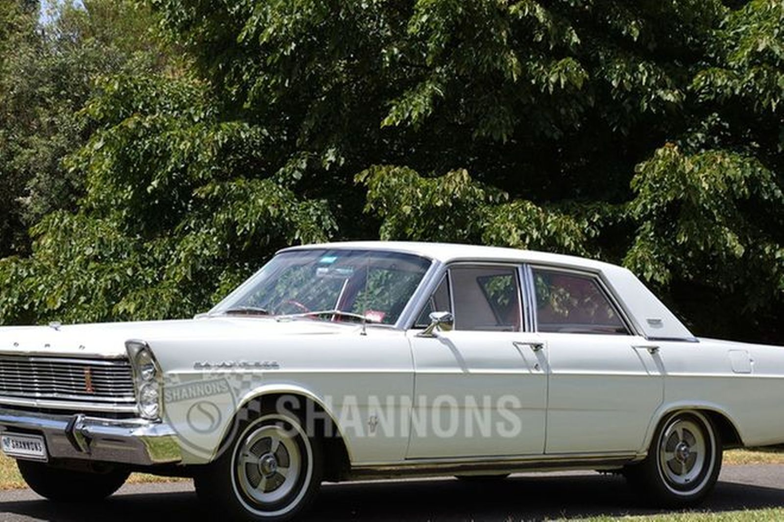 Ford galaxie 390 sedan rhd
