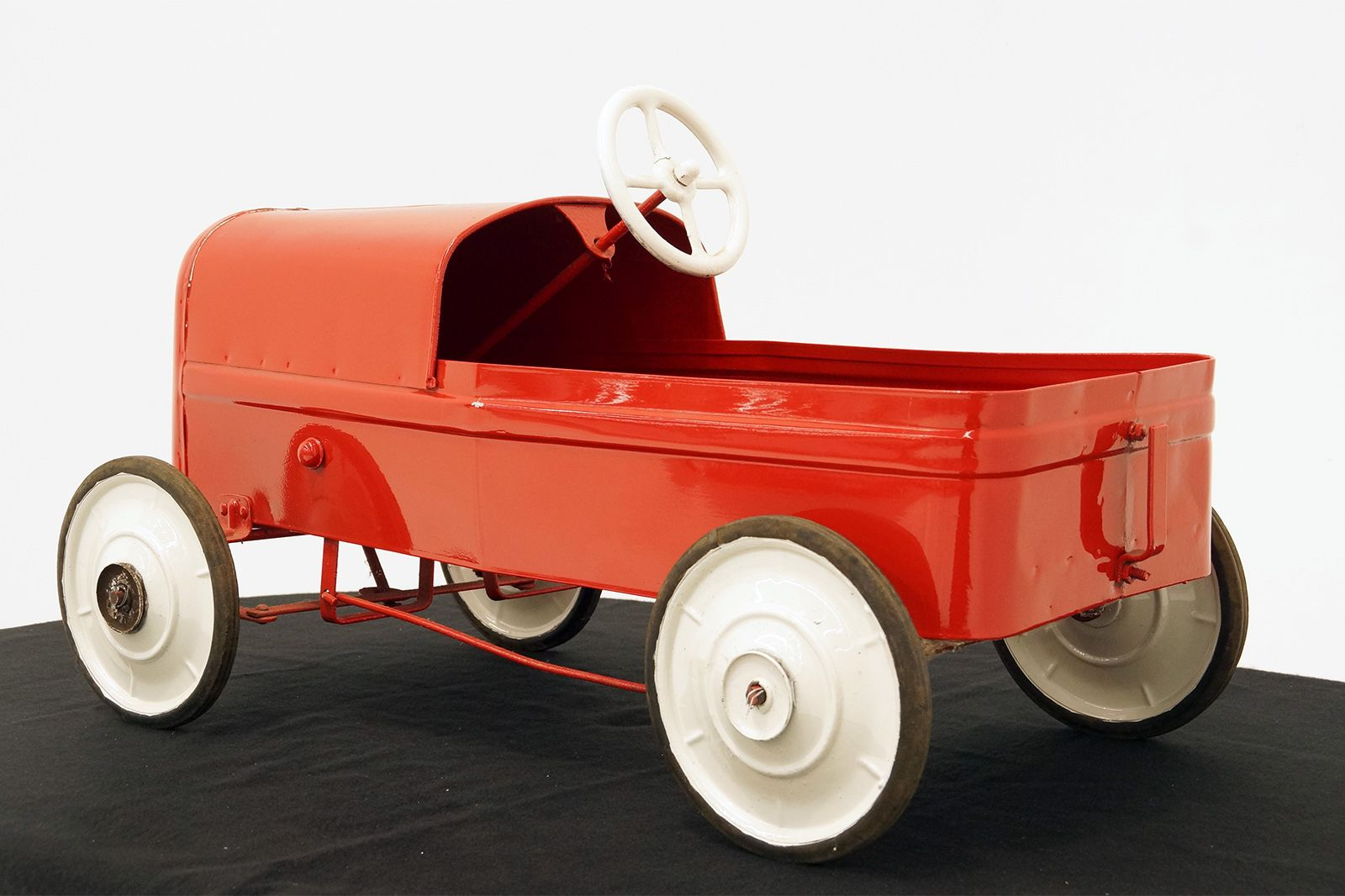 Cyclops Clipper Pedal Car - Original in Red