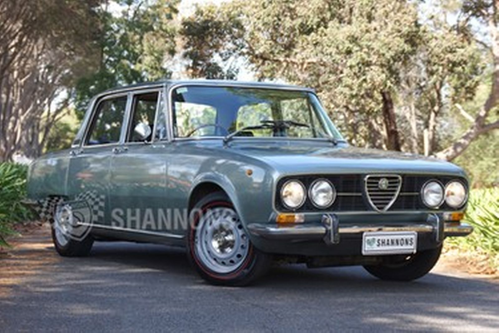 Très Sold: Alfa Romeo Berlina 2000 Sedan Auctions - Lot 4 - Shannons GQ53