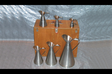 6 x Stainless Steel Measures in Wooden Case - (0.1lt - 5lt)