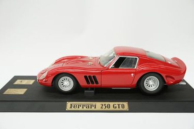 Model Car - c1992 Revell Ferrari 250GTO Die Cast (Scale 1:12) - From the 'Ian Cummins Collection'