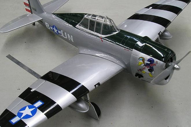 Model Plane - WW2 P47 Thunderbolt with Engine
