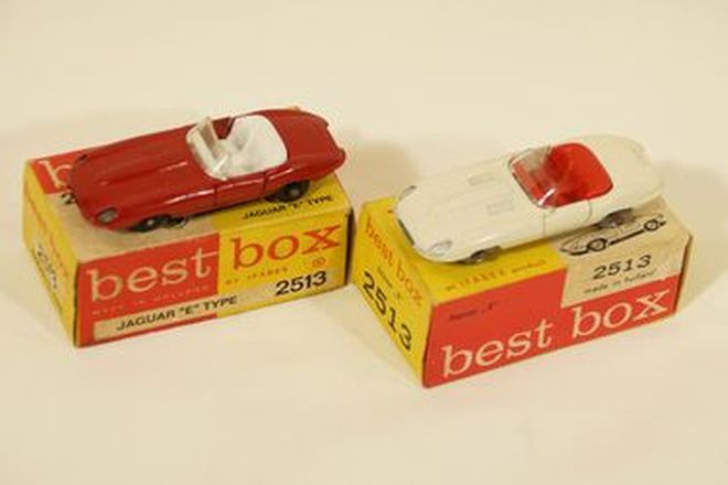 Model Cars x 2 - 1960s diecast Jaguar E-Type Roadster No.2513 in Red & White (1:64 scale)