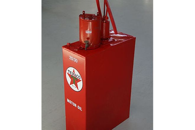 Hi Boy - Oil Pump in Texaco Livery with 1/2 Round Oil Can (Restored) (125cm tall)