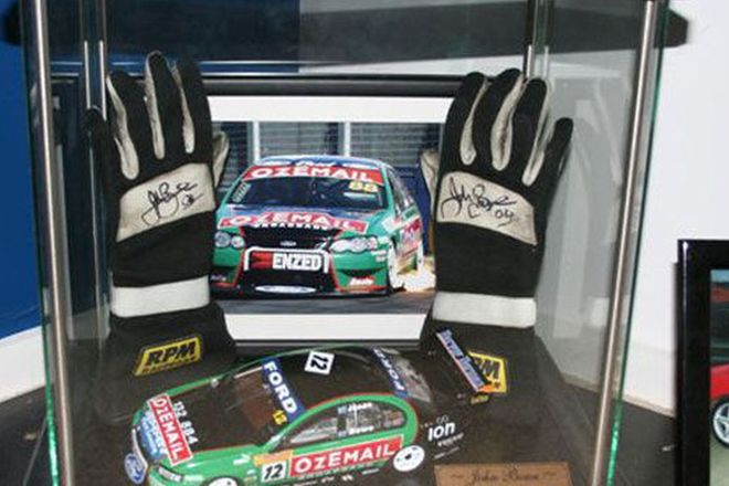 Race Gloves - John Bowe Ozemail Race car & Gloves in Black display case