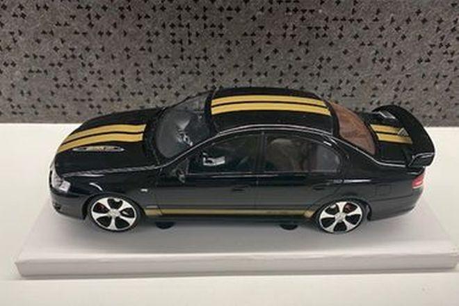Biante Model Car - FPV 40th anniversary Gt Black / Gold (Scale 1:18)