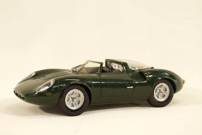 Model Car - Jaguar XJ13 Resin model by Scarce line models, CA US c1982 (24cm long)