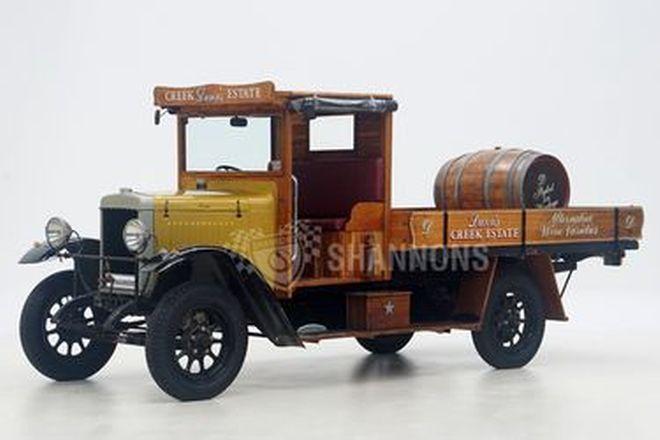 Morris 1-Ton Tray Truck