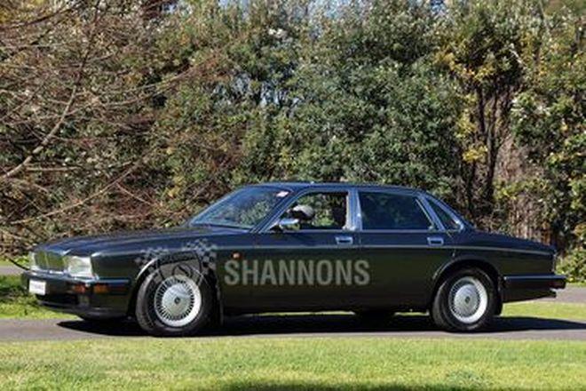 Daimler Double Six V12 Saloon