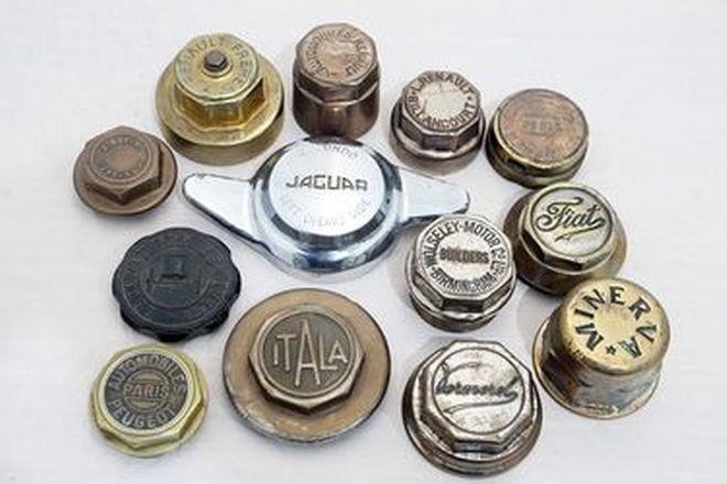 Vintage Hubcaps - 13 x Assorted: Italia, Fiat, Minerva, Wolseley, Jaguar. Etc