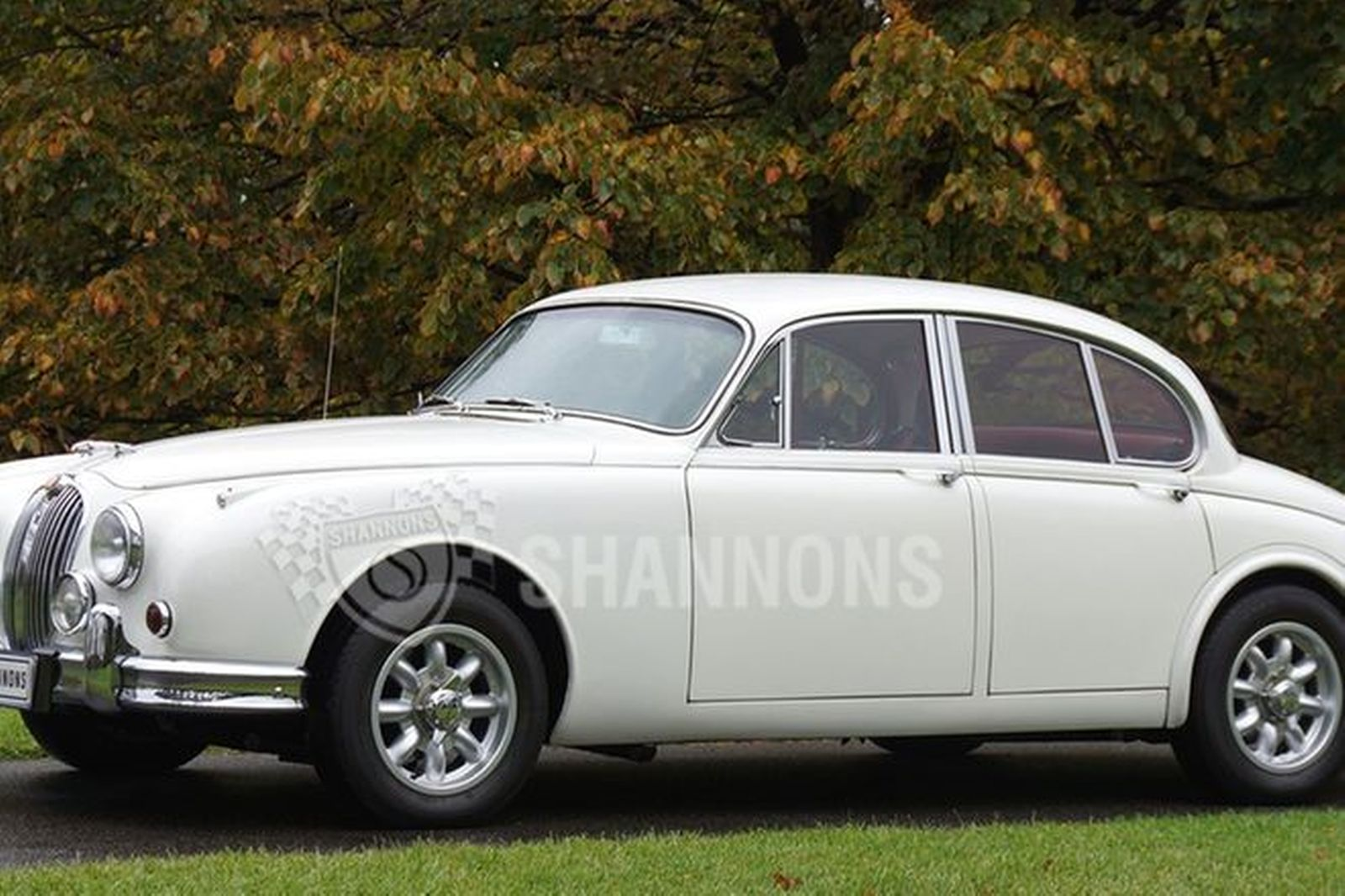 sold jaguar mkii 3 8 39 manual 39 saloon auctions lot 25 shannons. Black Bedroom Furniture Sets. Home Design Ideas