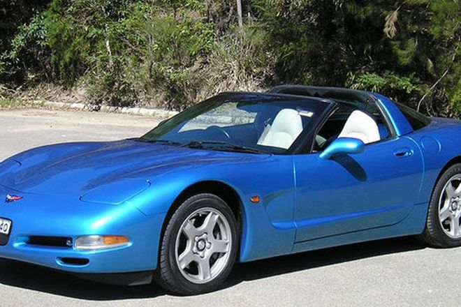 Chevrolet Corvette C5 Coupe (RHD)