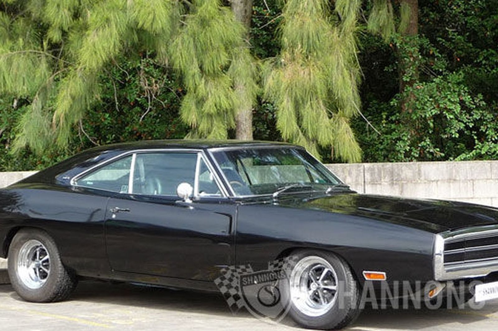 dodge charger 500 2 door coupe rhd auctions lot 15. Black Bedroom Furniture Sets. Home Design Ideas